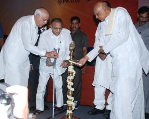 Honourable Union Minister for New and Renewable Energy, Dr Farooq Abdullah, along with Honourable Chief Minister of Andhra Pradesh, K. Rosaiah, and Honourable Union Minister for Urban Development, Jaipal Reddy, inaugurating Solarcon India 2010.